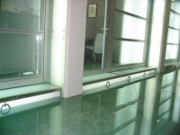 Stepped glass floor